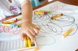Gyerekrajzokból művészi dekoráció?